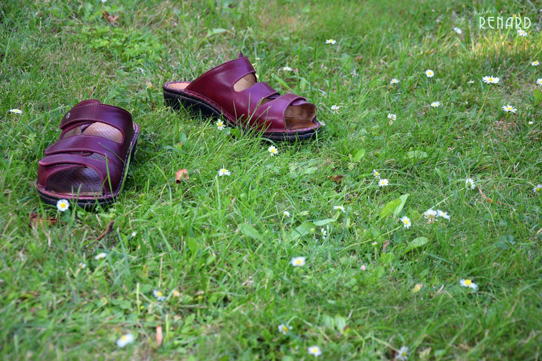 Schuhe-auf-Rasen