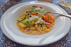 Soupe au Pistou: Französische Gemüsesuppe