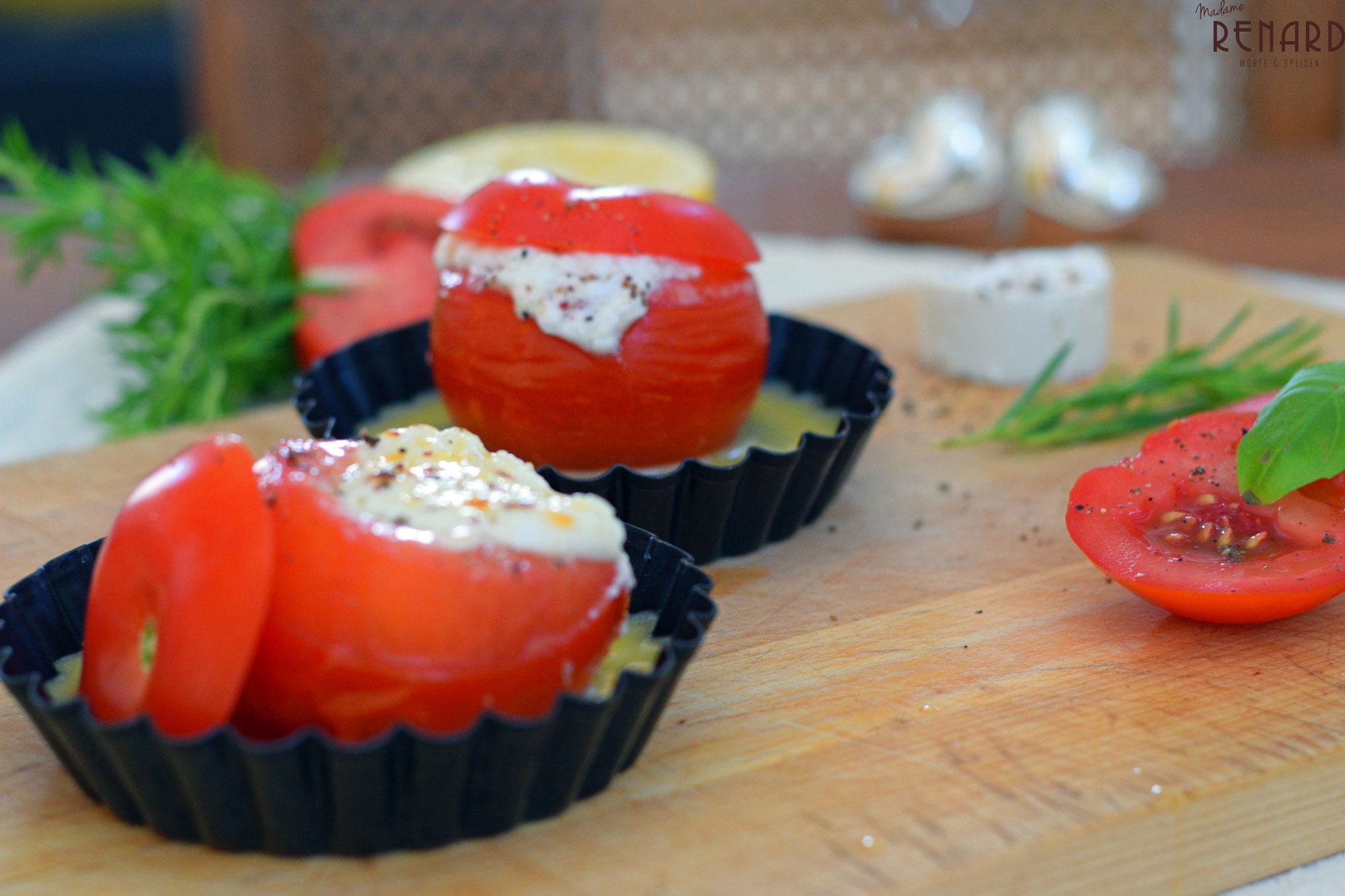 Tomate mit Ziegenkäse überbacken, Foto: Madame Renard